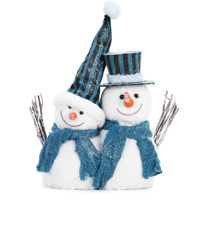 Retro Snow Couple