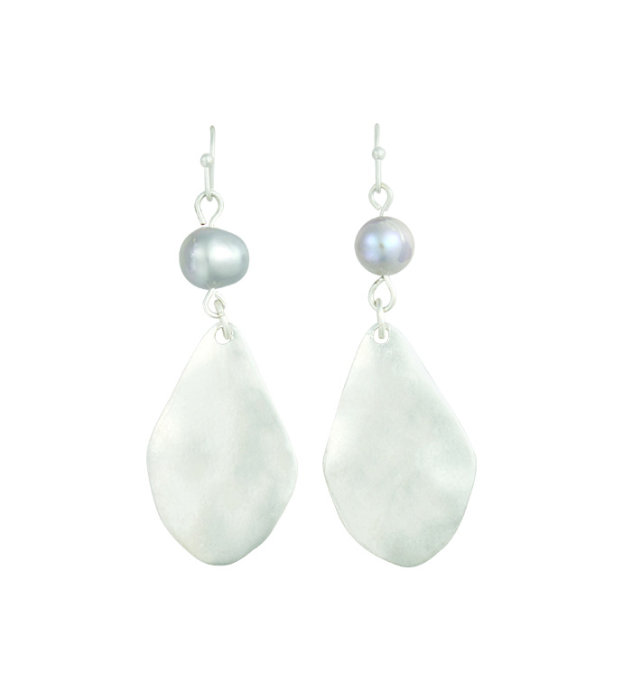 Silver Earrings with Grey Pearl
